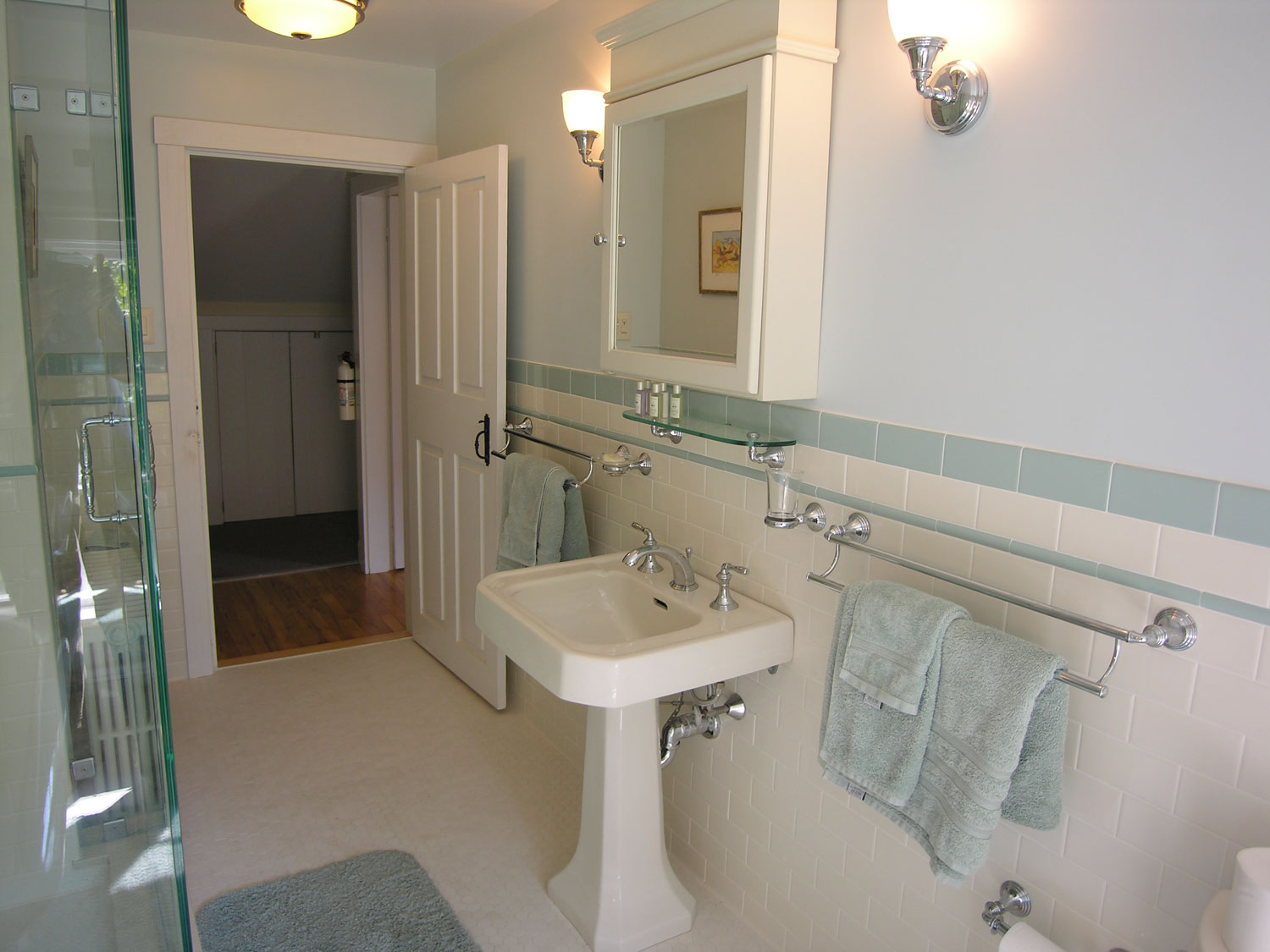 Sgs interiors historical home gets a bathroom remodel for Bathroom ideas 1940
